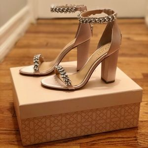 NIB Badgley Mischka Bridal/Formal Heels, Champagne